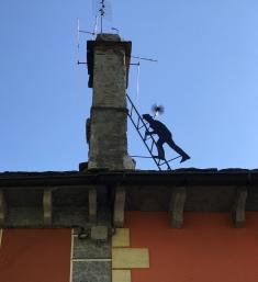 Spazzacamino Nr. 3 aufm Hausdach